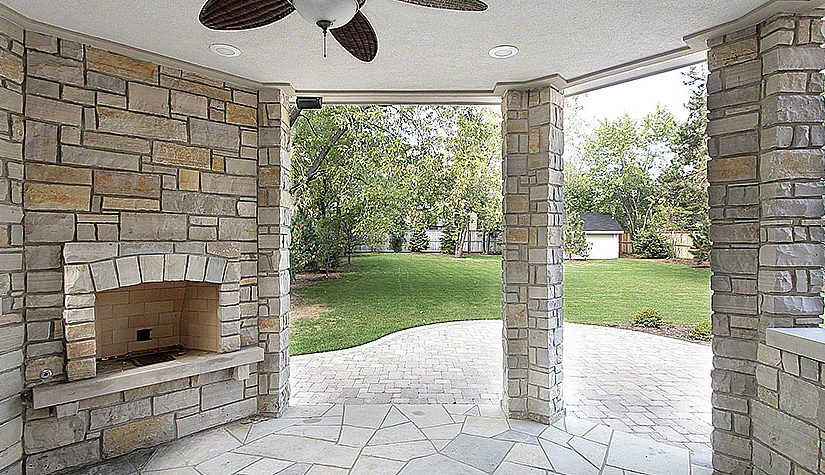 Easy steps needed to build an outside fireplace explained